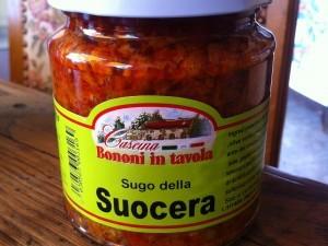 Bocaux piments concassés et tomates pour sauce arrabbiata