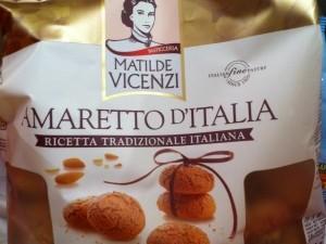 Amaretto, biscuit italien pour le café