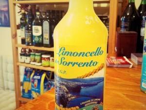 Limoncello di Sorrento liquore di limone Santa Teresa 1L