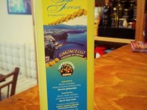Limoncello di Sorrento liquore di limone Santa Teresa 70cl