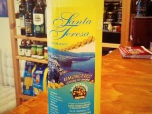 Limoncello di Sorrento liquore di limone Santa Teresa 50cl